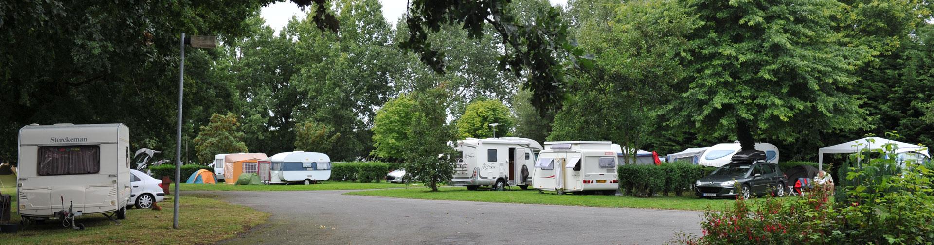 emplacement camping le lac bain de bretagne ille et vilaine
