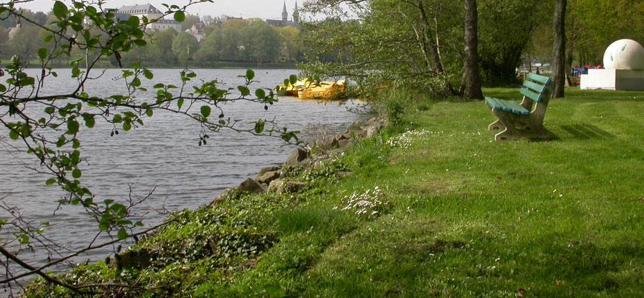 Le Lac du camping à Bain de Bretagne