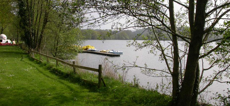 Le Lac du camping en Ille-et-Vilaine à Bain de Bretagne