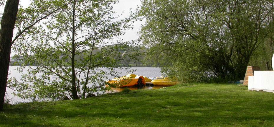 Sports nautiques sur le Lac de Bain de Bretagne